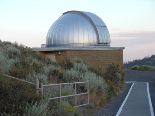Telescope_Dome_at_Pine_Mountain,_Oregon[2].jpg